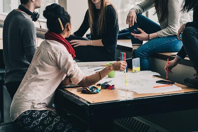 Czy warto w XXI w. studiować nauki społeczne?